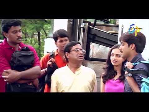 Nuvve Kavali - Tour Comedy Scenes video
