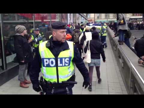 REVA Stockholm - immigrants being violently deported 09-03-2013