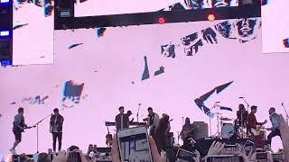 The Jonas brothers and busted singing year 3000 together at summer time ball 2019