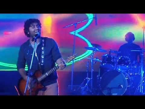 Kabhi Jo Badal Barse 'jackpot' - Arijit Singh Live itm University video