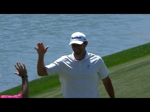Shawn Stefani holes a 60-foot birdie putt at Shell