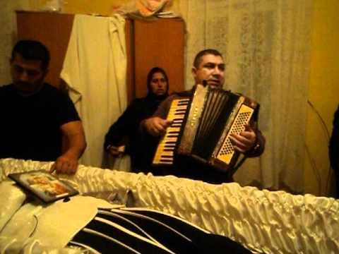 Clip video stefan de la barbulesti inmormantare sprintioara 2 - Musique Gratuite Muzikoo
