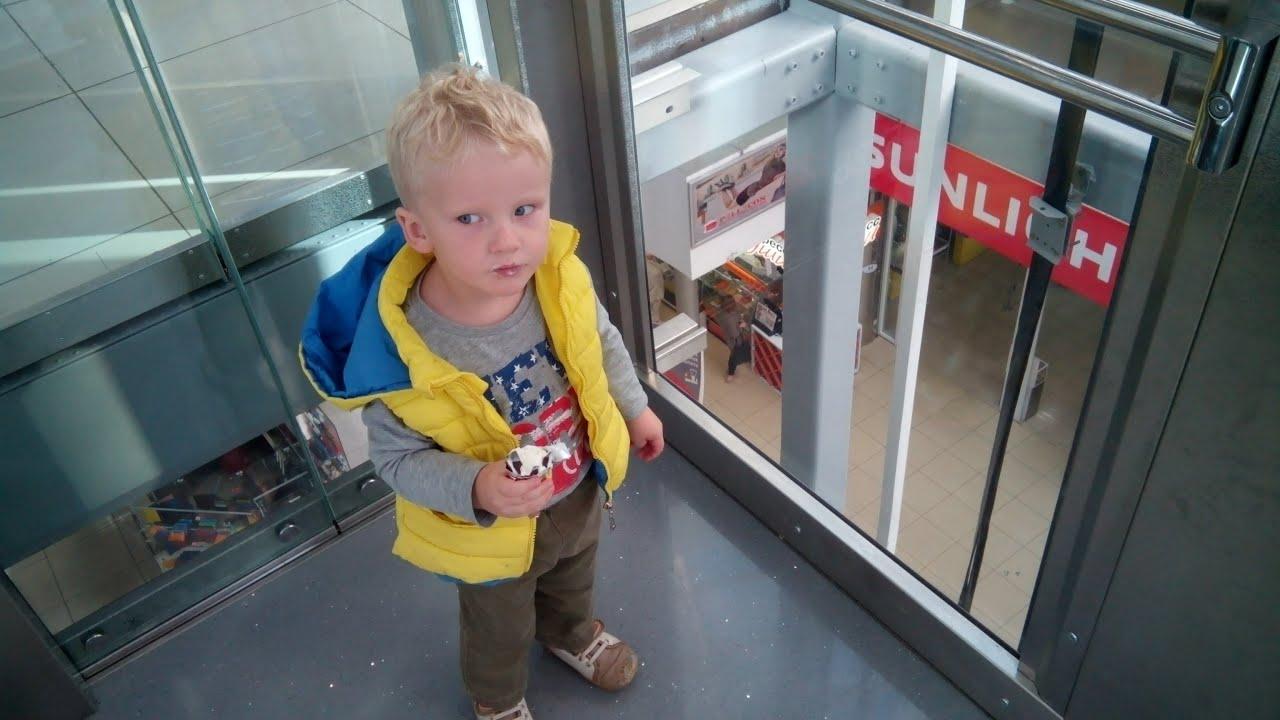 Россиянку и ее шестимесячного сына раздавил лифт 35