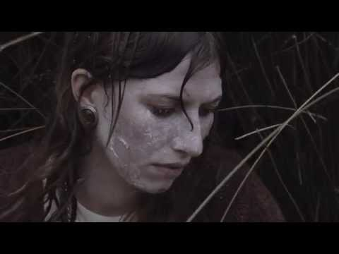 ALDOUS HARDING 'STOP YOUR TEARS' (Official Video)