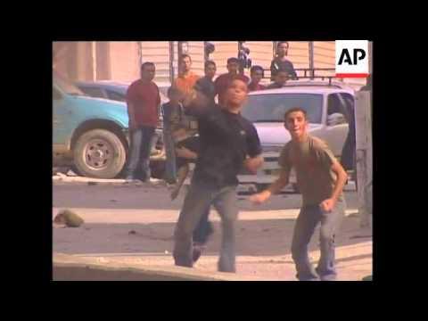yWRAP Palestinians mourn death of legendary leader