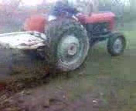 Traktori Mbith Terme