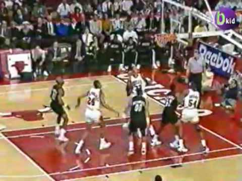 MJ's return from injury: Blazers @ Bulls 1992-93 Video
