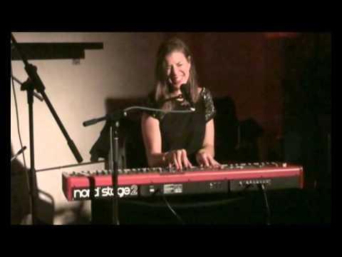 MADELINE PERSSON --- VIRUSMUSIK RADIO X   Frankfurt