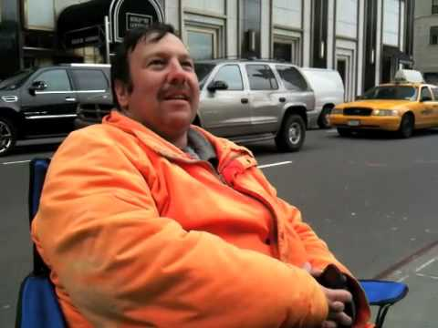 Thumb Video of Greg Packer, the first person to buy an iPad in NY