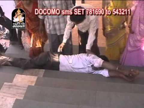 Kirtidan Gadhvi- Khodiyar Maa Garba- Khodal Maa Na Tataniya Dhare video