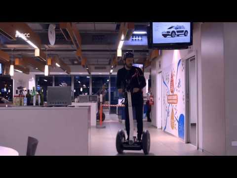 E poi c'è Cattelan #EPCC – Alessandro e Cesare Cremonini gara sui segway