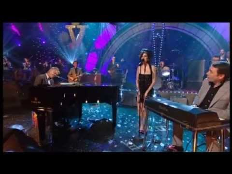 Amy Winehouse  - Don't Go To Strangers