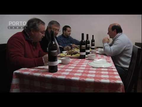 Santa Marta de Penagui�o, S Jo�o de Lobrigos, prato t�pico de lavrador, galo caseiro