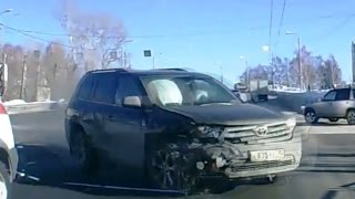 Fail Compilation of Driving in Russia FEBRUARY 2015 #4