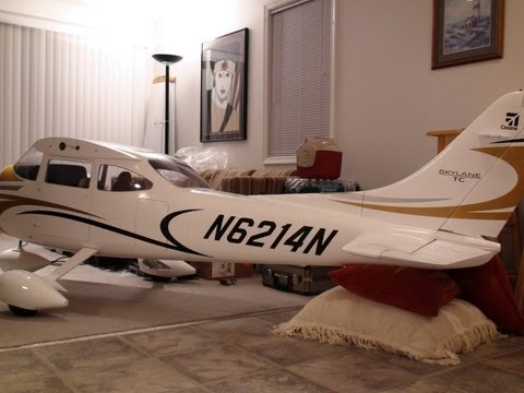 TMMY 35% Cessna 182 Unboxing