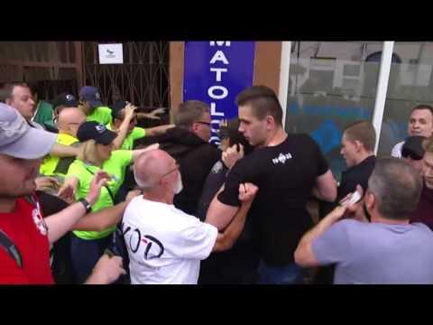 Zamieszki W Radomiu. KOD Bije Się Z Narodowcami!