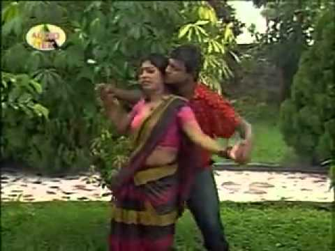 Bangla Hot And Sexy Song   Ora Mono Chora Tui Monpabina video