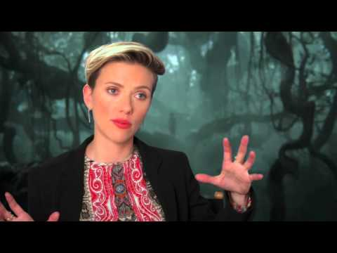 "The Jungle Book: Scarlett Johansson ""Kaa"" Behind the Scenes Movie Interview"
