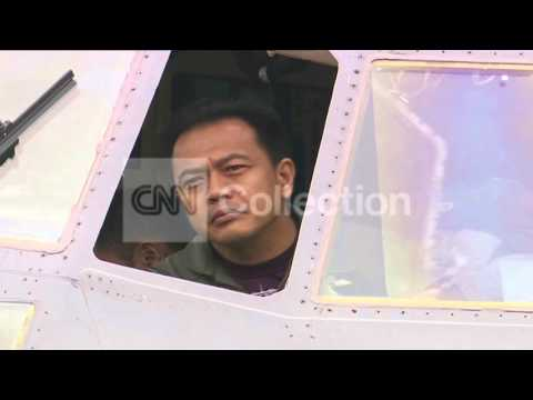MALAYSIA AIRLINES:AIR FORCE JET GETTING READY