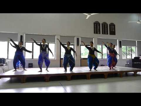 Beautiful and graceful dance performance by girls from Modern High School, Calcutta