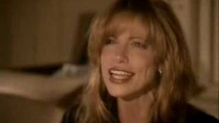 Watch Carly Simon Embrace Me You Child video