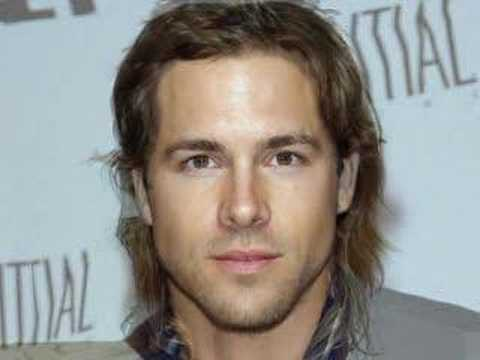 brad pitt university of missouri. Brad Pitt to Ryan Reynolds