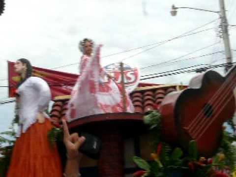 Mileydis Vargas, reina de Calle Arriba de Las Tablas en festival de la mejorana de Guarare
