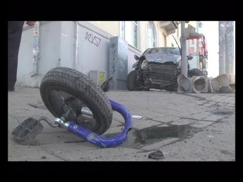 Honda снесла пешеходов на тротуаре ул. Фурманова / Новости