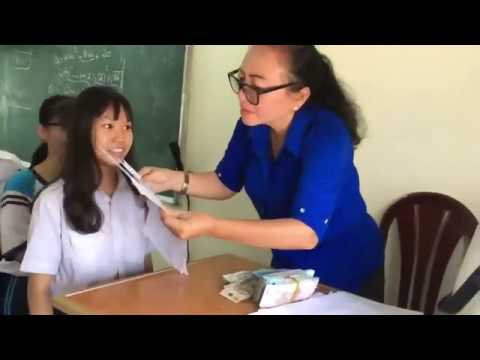 Có cô giáo như thế này thì chắc xưa em chăm học lắm