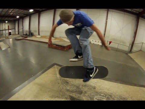 20 Skateboard Tricks 1 Skatepark!