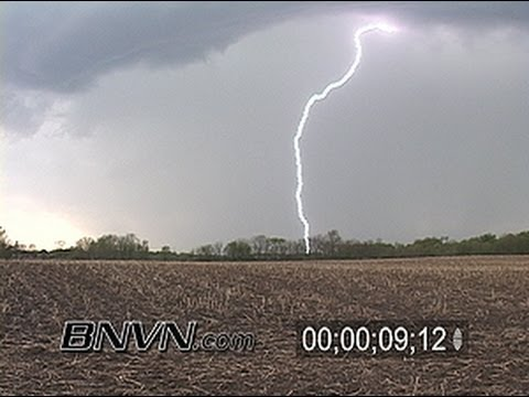 4/30/2007 Daylight lightning stock video