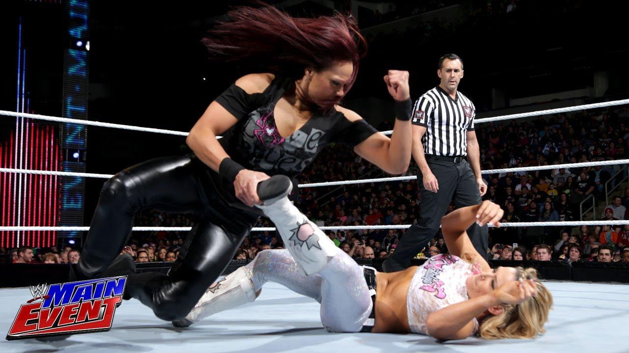 Natalya vs. Tamina: WW...