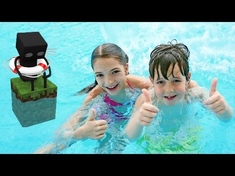 Игры в аквапарке Карибия: Света и Адриан катаются с горок