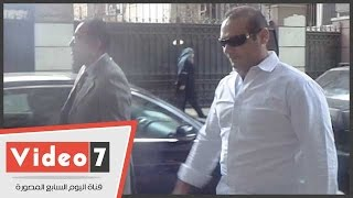 بالفيديو.. وزير الإسكان وحارسه يسيران بشارع إسماعيل أباظة