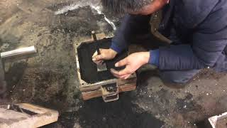 Sandbox mold for making metallic hammer