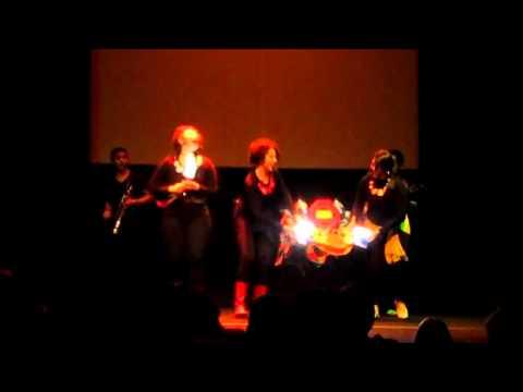 Marcella Brito canta A Nave 2012