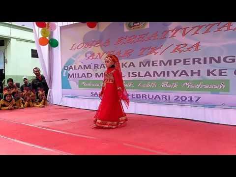 Fashion Show Busana Muslim Juara I