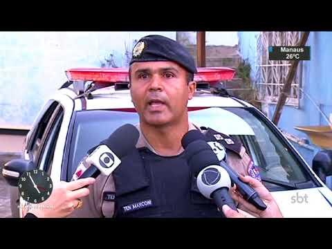 Polícia apreende carga roubada em prédio de empresa abandonada   SBT Notícias (15/08/17)