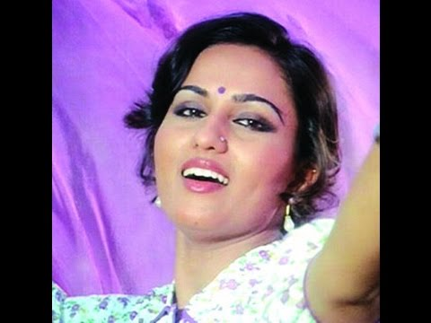 Reena Roy Biography - The 'Dream Girl' of Bollywood 70s