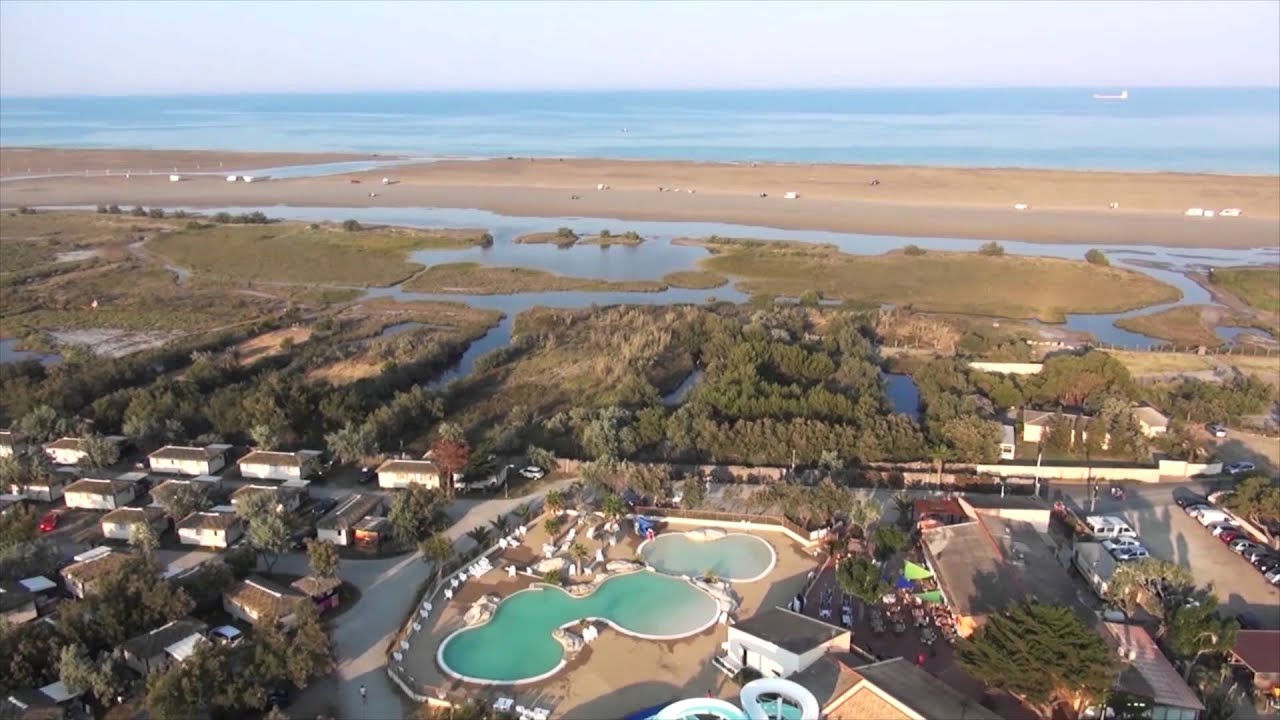 Camping 4 c te vermeille avec acc s direct la mer for Camping au lavandou bord de mer avec piscine