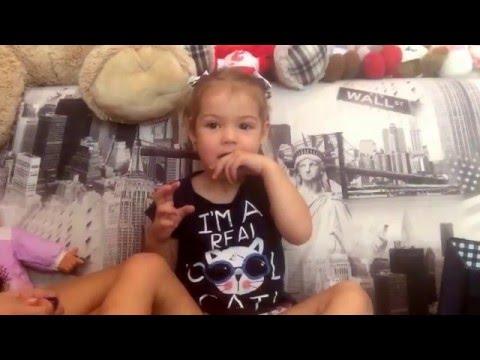 Прическа для девочки в детский сад) на короткие волосы)