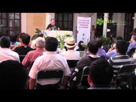 El escritor Paco Ignacio Taibo II, ofrece conferencia en Oaxaca