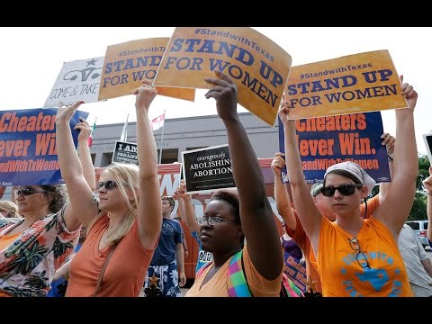 Supreme Court Allows TX Abortion Clinics to Stay Open