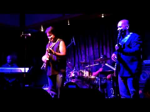 Blues on 5th Avenue - Patrick Yandall (Smooth Jazz Family)