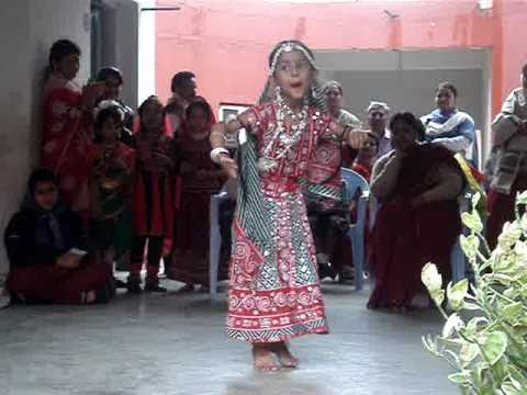 CHAMMA CHAMMA DANCE BY Preeta Puhan ( MAMLU ) PARADIP ORISSA