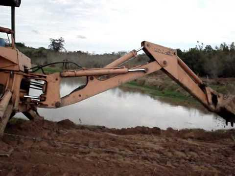 CONSTRUINDO A BARRAGEM DO AÇUDE NO SÍTIO DO MARCINHO
