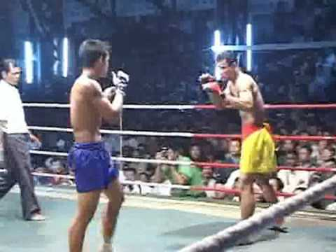 Lone Chaw vs. Yan Gyi Aung in Mandalay, part 1