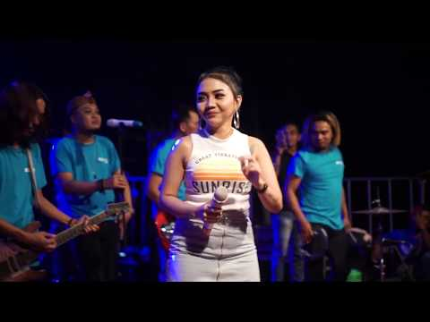 Syahiba Saufa - Ngomong Apik Apik (Melon Music Live in Kedasri)