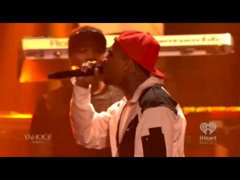 "Usher - iHeartRadio Music Festival 2014 Part IV ( ""New Flame"" ft. Chris Brown)"