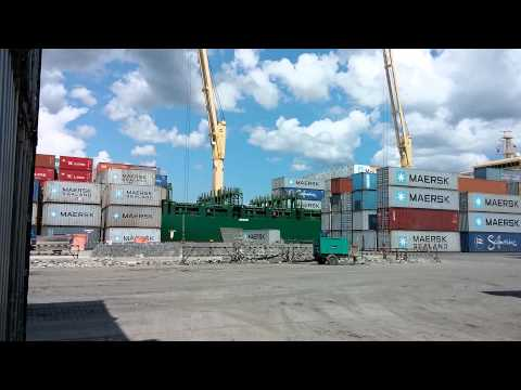 Container Discharge - Ship Crane(1)